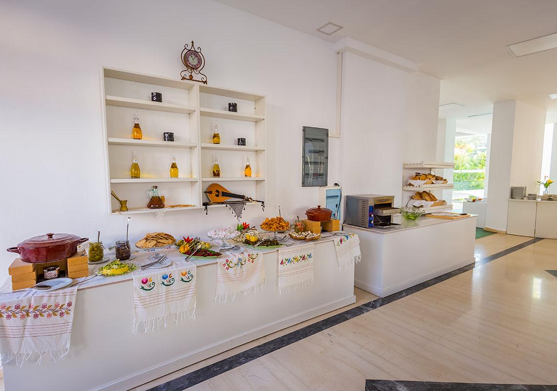 rethymno crete hotel breakfast - Rethymno Residence Aqua Park & Spa
